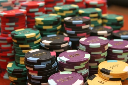 Play Online Casinos and Juice Your Money